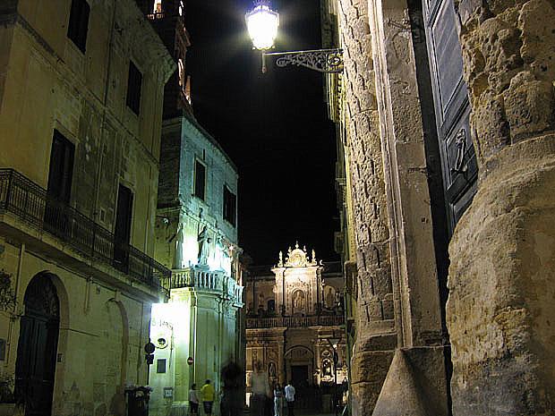Lecce: scorcio di piazza del Duomo