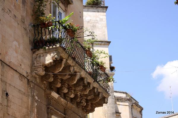 Lecce balcone barocco