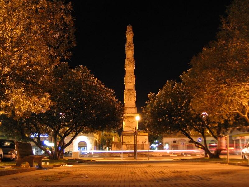 Lecce l'obelisco
