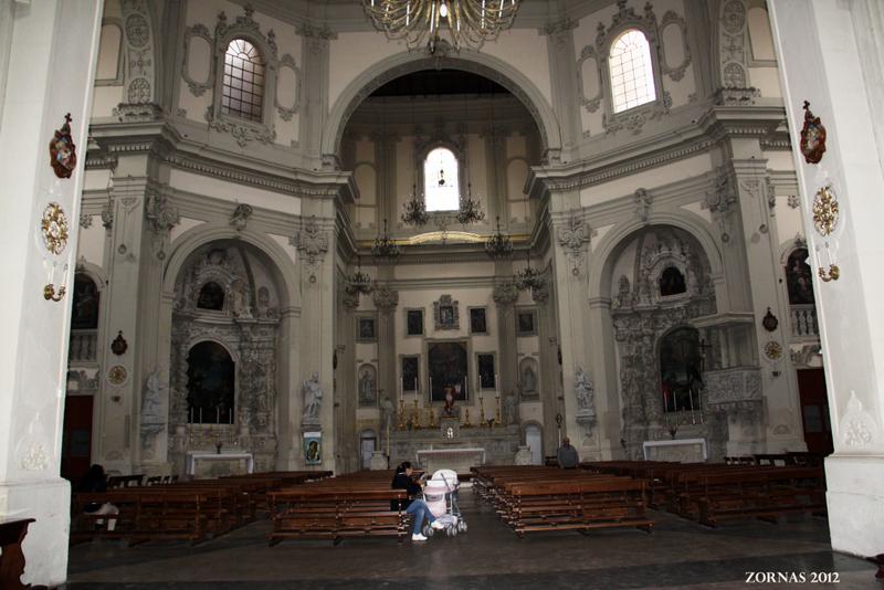 Basilica del Rosario interno
