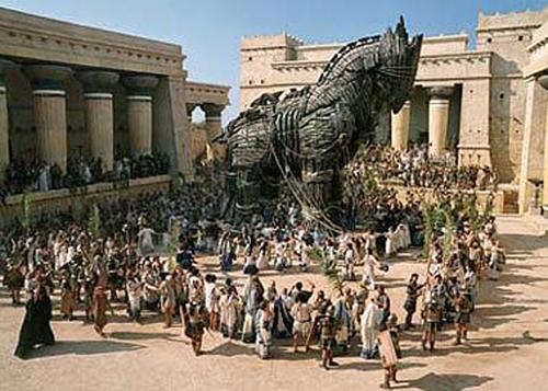 Il Cavallo di Troia non era un cavallo ma una nave. E adesso chi glielo dice ad Omero?