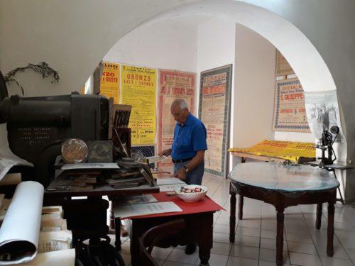 """Si è aperta presso la Tipografia del Commercio la mostra """"La storia della Festa"""""""