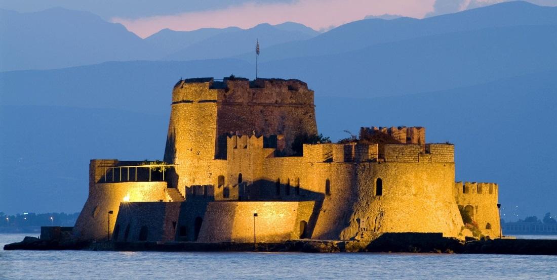 Nafplio è una graziosissima città greca situata nella parte est del Peloponneso