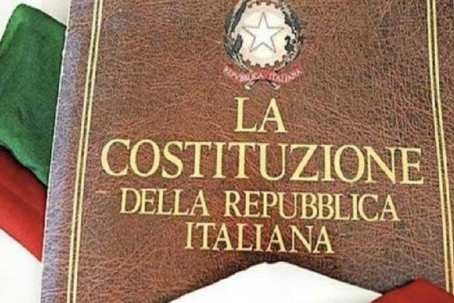 Il libro della Costituzione Italiana