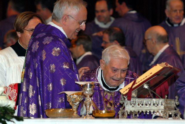 Don Franco Lupo e l'arcivescovo D'Ambrosio