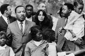 Joan Baez con Martin Luther King