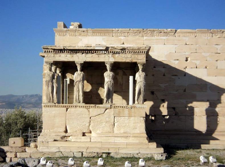 GRECIA-ATENE-ACROPOLI-CARIATIDI-5